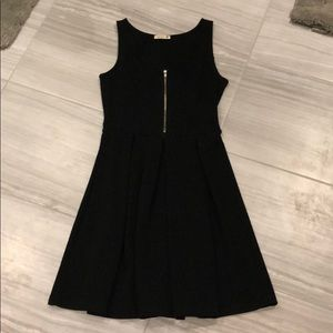 Soprano LBD with front zipper